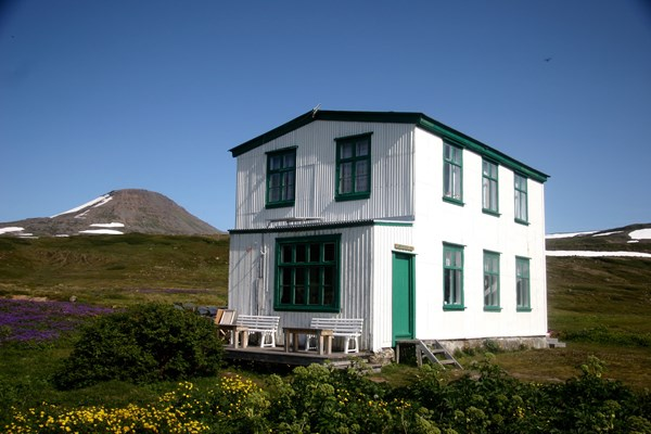 Old Doctors House Hesteyri (2).jpg
