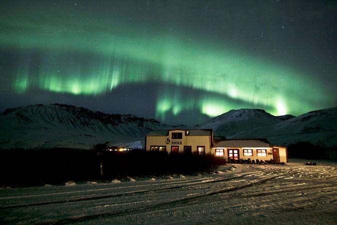 zimowe atrakcje Islandii, Islandia, krajobraz, zima, góra, lodowiec, śnieg, zorza